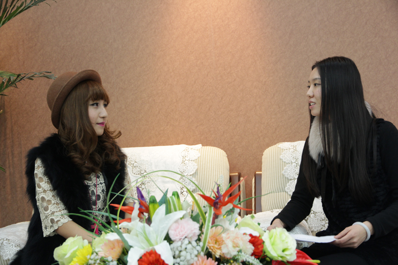 蛇年到,一百度迎来新年后的第一位美女模特,她就是第十二期专访嘉宾:张佩欣。