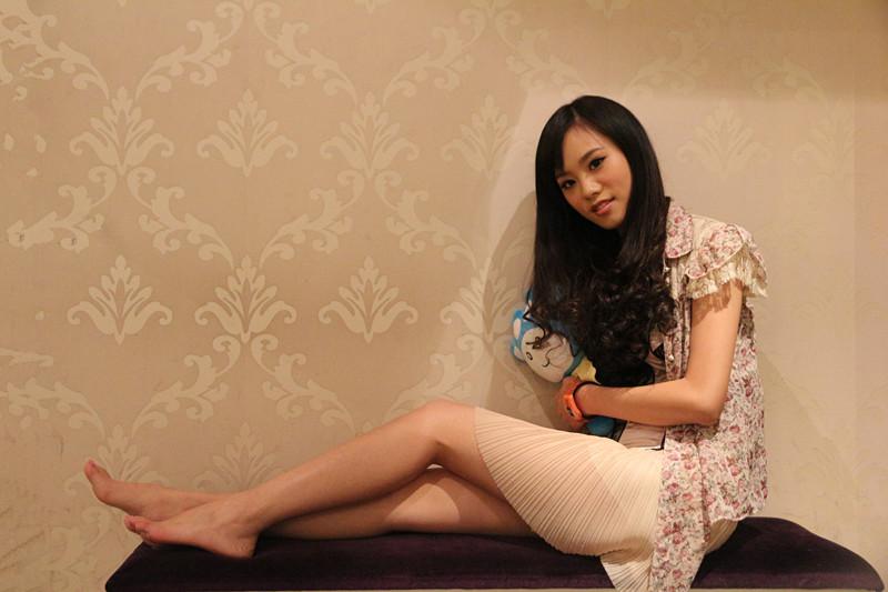 河南一百度美人谈第37期嘉宾:模特访谈之腿模齐欣