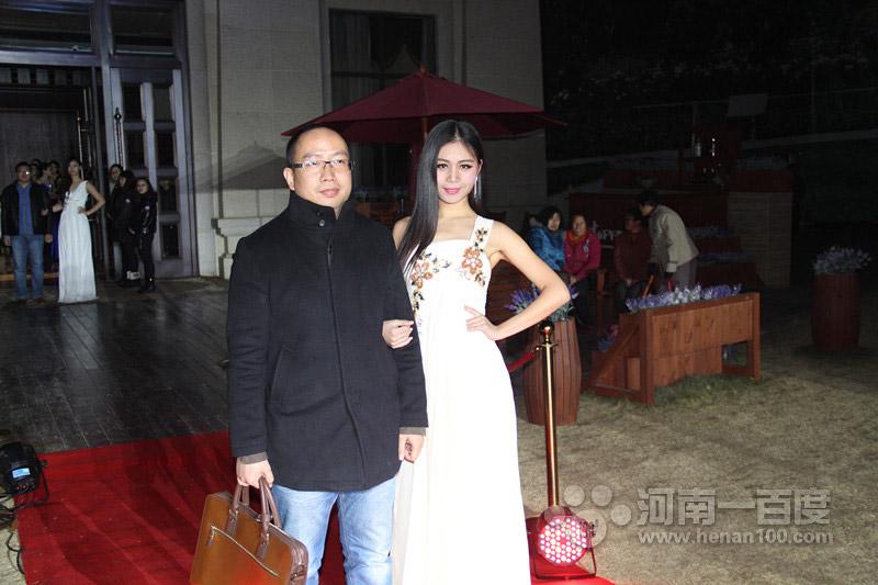 河南一百度美人谈上线一周年庆典活动红毯秀