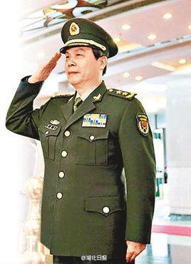 海南省军区司令员陈守民任海南省委委员、常委