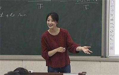 郑州高中老师跨界演戏 用自己经历感染学生勇于追梦