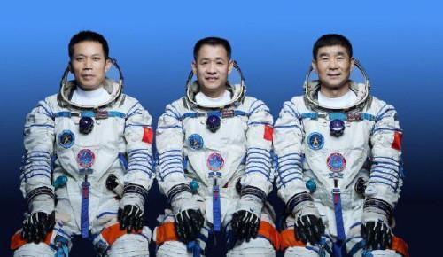 """三名航天员太空生活""""剧透"""""""