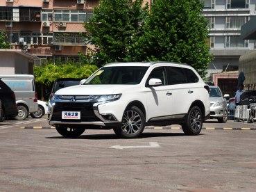 广汽三菱 欧蓝德 2018款 2.4L 四驱尊贵版 7座