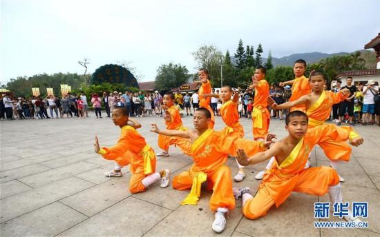 #(社会)(6)2019年春节假期全国旅游接待总人数4.15亿人次