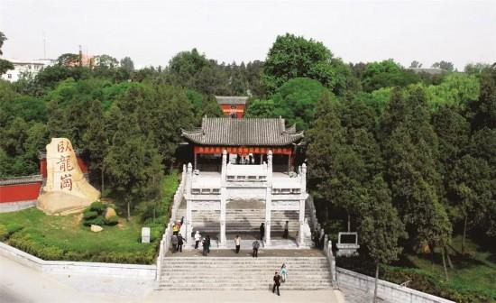 """张志和:把卧龙岗武侯祠文化园打造成""""谁来都不后悔""""的"""