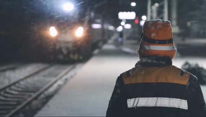 【新春走基层】风雪中,他站好最后一班岗