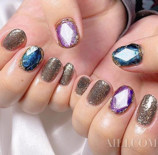 想变白做个美甲就可以 INS大热华丽宝石指甲推荐给你
