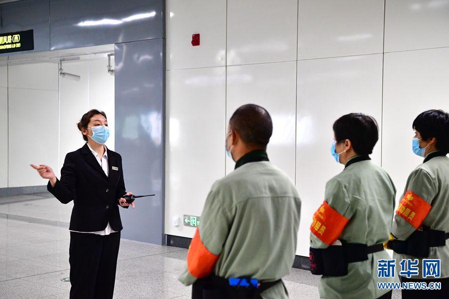 河南郑州圆方物业:职工坚守在疫情防控一线