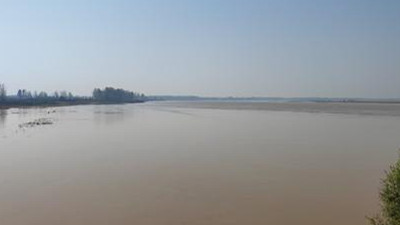 【母亲河畔的中国】荒滩变绿洲:九曲黄河最后一弯风景如