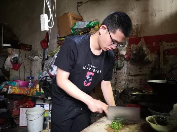 """超河南一本线122分,淅川""""蹭网学霸""""仍有遗憾"""