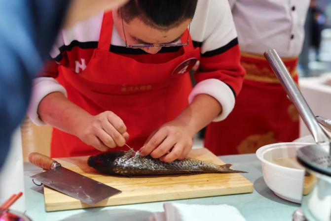 """@""""阿五杯""""第五届黄河鲤鱼烹饪大赛完美收官7.jpg"""