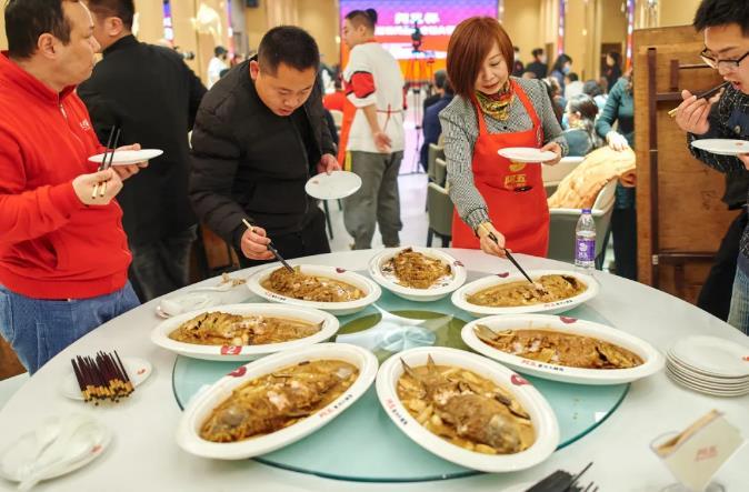 """@""""阿五杯""""第五届黄河鲤鱼烹饪大赛完美收官11.jpg"""