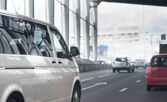9月1日起,9/8座客车降为1类客车 收费公路通行费将下降