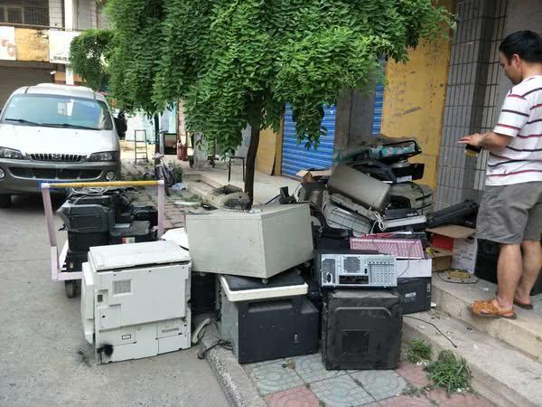 郑州又一市场拆迁,曾诞生过上百个千万富翁,从此三环内再无棚户市场
