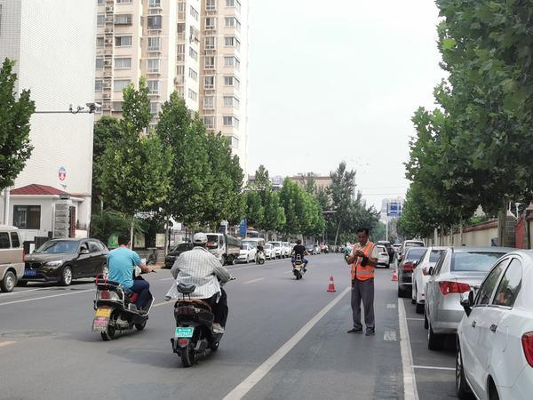 首次!郑州这些路边停车收费进入智能模式