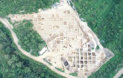 """三门峡发现约6000年""""竖穴式""""陶窑"""